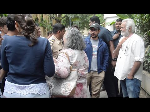 Amir Khan With Wife Kiran Rao And Kids Ira Khan & Junaid Khan Attend Special Play In Prithvi Theatre Mp3