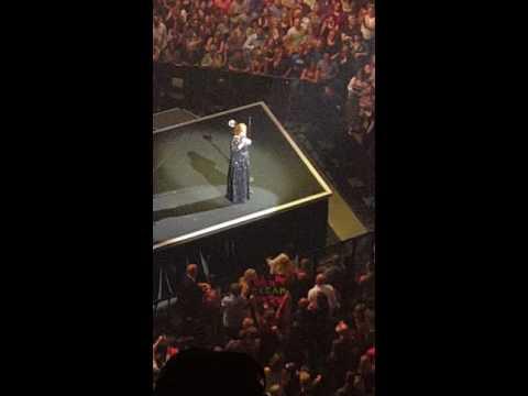 Adele talking to fans  in St.Paul 7/05/16