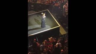 Adele talking to fans  in St.Paul 7/05/16