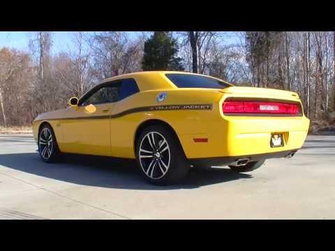 135012 / 2012 Dodge Challenger SRT-8 Yellow Jacket