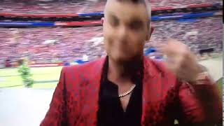 "Robbie Williams to the Anti Russia Media during World Cup: ""I did this for free"" gives the Bird"