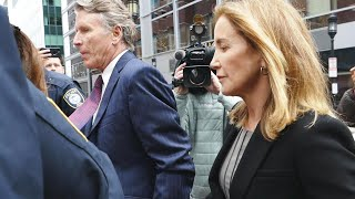 Felicity Huffman Arrives 2 Hours Early to Court