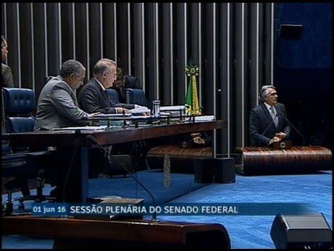 Ronaldo Caiado critica encontro de Michel Temer com ex-líder do MST, José Rainha
