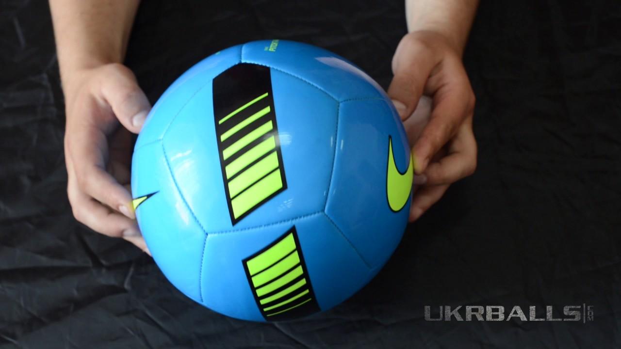 Мячи этого размера наилучшим образом подходят для тренировок и повышения техники владения мячом. Мяч может состоять из 32 или 26 панелей. Иногда на нём изображают логотипы, знаки и различные надписи рекламного характера. Размер 3. Мячи этого размера.