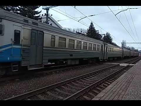 Электропоезда ЭР2Р-7036 сообщением #7005 Харьков-Изюм, и ЭР2Р-7070 сообщением #6446 Лиман-Харьков