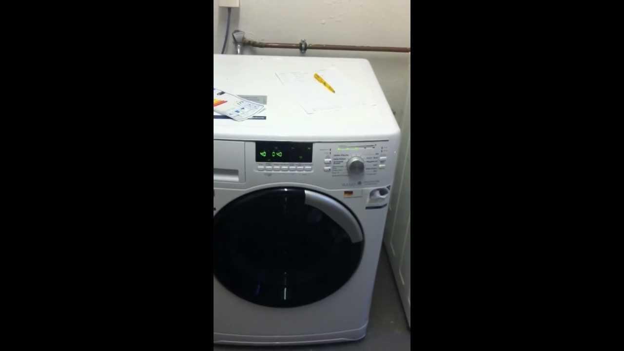 erster testeindruck einer bauknecht waschmaschine youtube. Black Bedroom Furniture Sets. Home Design Ideas