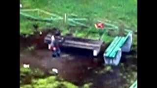 Продолжение. Мальчик стирает носки в луже(, 2012-08-29T19:29:54.000Z)