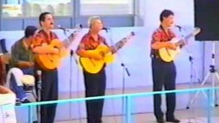 """""""Alma de Luna"""" (Guillermo Venegas Llovera) Bebo Cárdenas junto a Junior Nazario y su trío."""