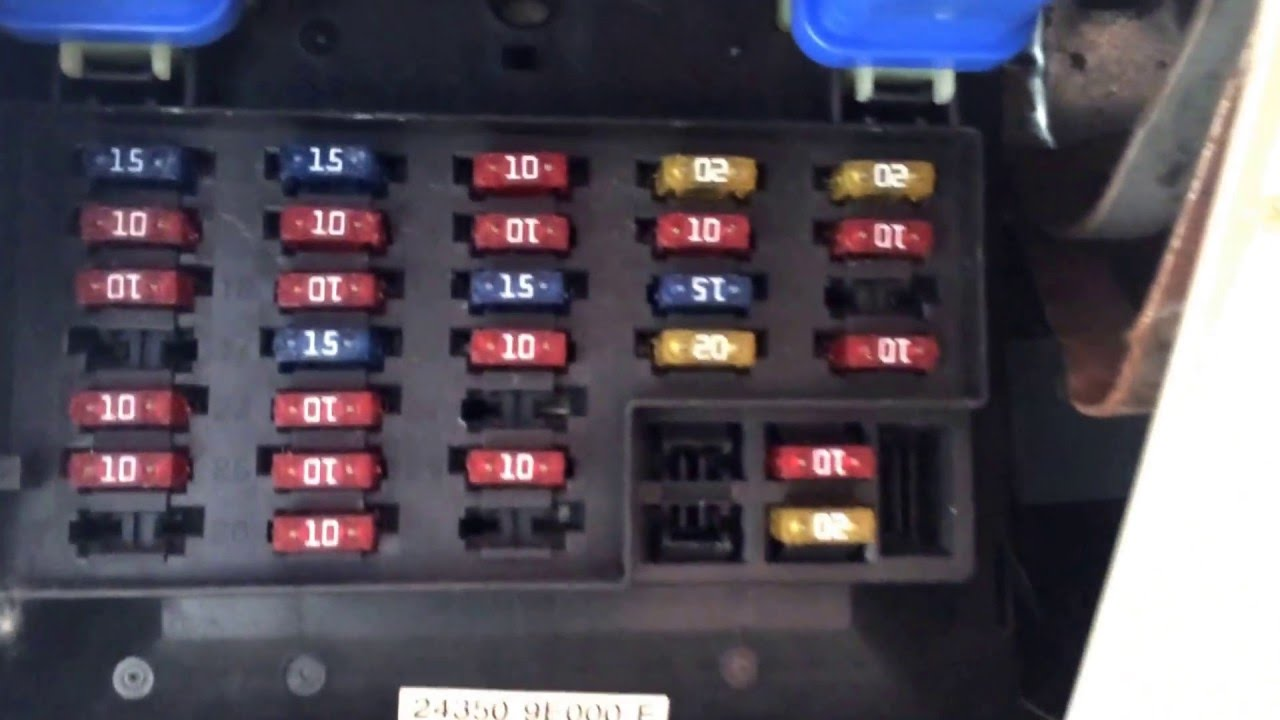 2014 Nissan Rogue Fuse Box Diagram 2000 Nissan Altima Fuse Box Location Youtube