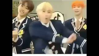 Download lagu DJ salah apa aku versi idol K-Pop:) Ngakak?! BTS,EXO,IKON, BLACKPINK,RED VELVET...??!