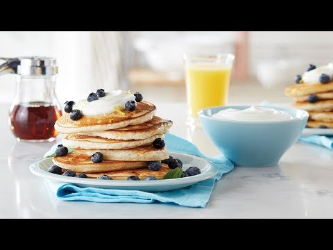 pancakes-myrtilles-banane-et-yaourt