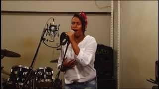 scherol dos santos  video in sala di registrazione emozionante voce imponente a 17 anni