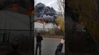 Incendie (usine de gaufre prend feux à Bruxelles )