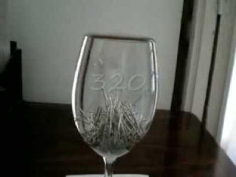 Cuantos alfileres caben en un vaso de agua youtube - Vaso con agua ...