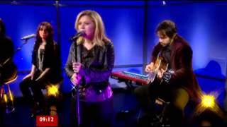 Kelly Clarkson - Catch My Breath (BBC Breakfast, UK) (December 4, 2012)