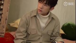 【TFBOYS易烊千玺】在琥珀色房间里,发会呆,静静享受时光~【Jackson Yee】