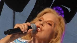 Sylvie VARTAN concert sur la scène de la Foire Exposition de Barbezieux
