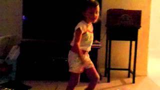Lil Stella Bustin a Move to Ninja Funk- DYSKO