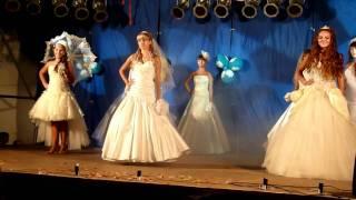Показ свадебных платьев.mp4