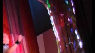 Шоу гигантских мыльных пузырей в Омске 34-13-95.avi