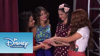 Las chicas cantan Código Amistad   Momento Musical   Violetta