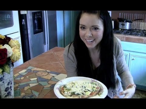 ♡ Beauty From The Inside Out! How to Make a Healthy Vegetarian Mediterranean Pizza! ♡