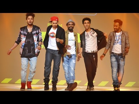Varun Dhawan's 4D Performance To Promote Film 'ABCD 2'