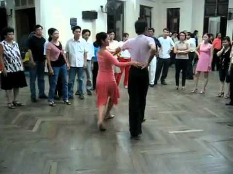 Tango cô Trâm Anh lop 4