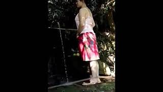 Download Video Ibu ibu kampung lagi mandi MP3 3GP MP4