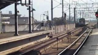 JR四国121系(編成番号不明) 坂出駅発車