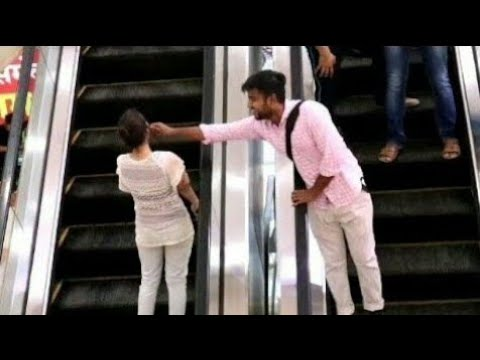 Touching Strangers On Escalator #allahabad #prayagraj #pvr #bestprank #funnyprank #escalatorprank