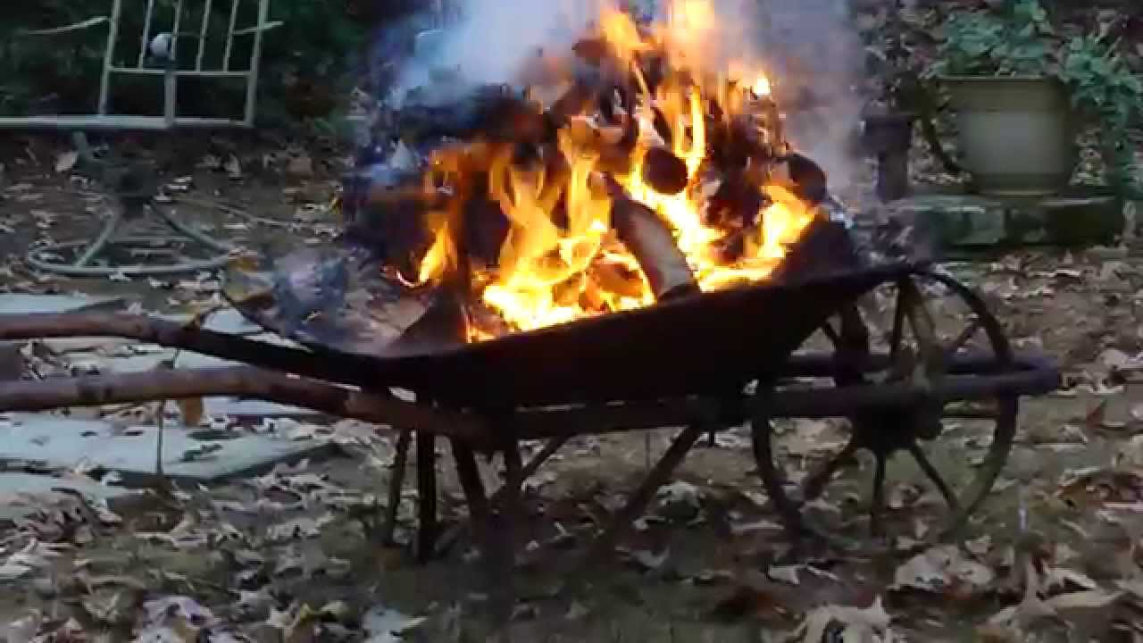 HOW TO BUILD A PORTABLE FIRE PIT * FROM ANTIQUE WHEEL ...