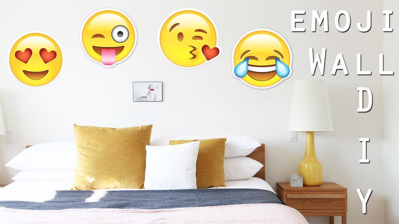 Diy emoji wall decor paper emoji super easy diy with for Decoration emoji