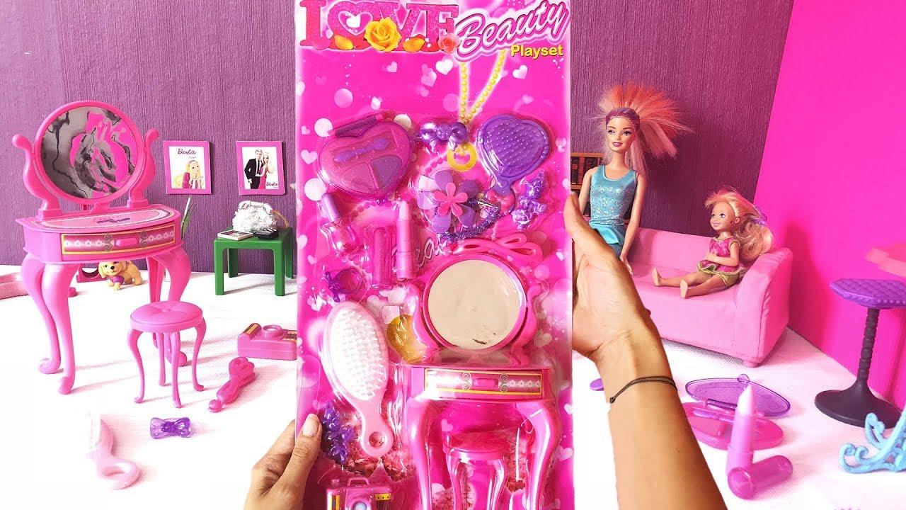 Barbie Bebek Evi Eşyaları Açıyoruz. Barbie Ailesi Chelsea Dila Kent