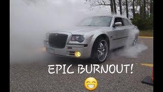 Chrysler 300C HUGE Burnout!!