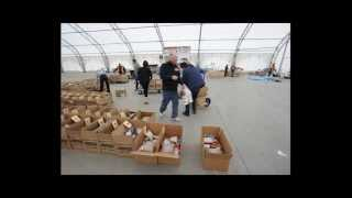 Students deliver Thanksgiving food baskets