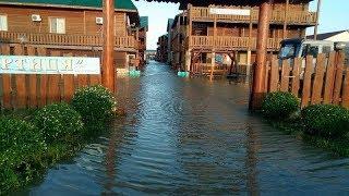 Последствие шторма в Кирилловке: затопленные базы, исчезновение пляжей