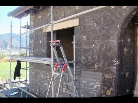 Decoracion fachadas piedra artificial en la fachada de for Fachadas rusticas de piedra y ladrillo
