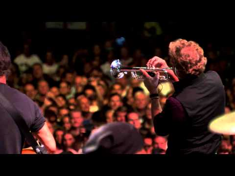 "Bruce Springsteen - ""Stayin' Alive"" (Brisbane, 02/26/14)"