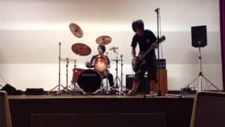 ギター、ドラムでノリで撮ってみました。下手くそですが、勘弁してくだ...