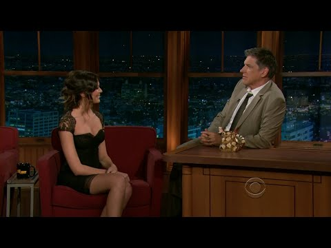 Late Late Show with Craig Ferguson 4/28/2011 Tom Selleck, Odette Annable