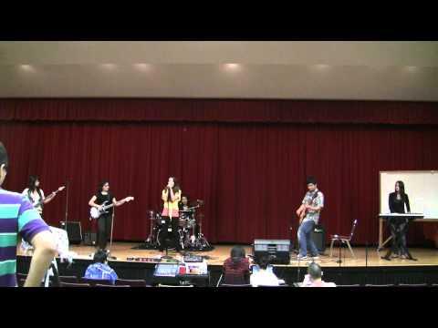 FSU Chinese Rock Band 摇滚版-喀秋莎-在雨中-你知道我在等你吗 9/24/2011