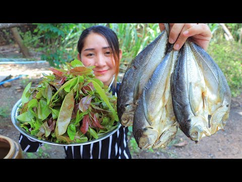 Yummy Salty Dried Fish Cooking Mempat Leaves – Mempat Leaves Cooking Dried Fish – Cooking With Sros