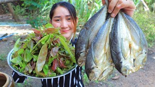 Yummy Salty Dried Fish Cooking Mempat Leaves - Mempat Leaves Cooking Dried Fish - Cooking With Sros