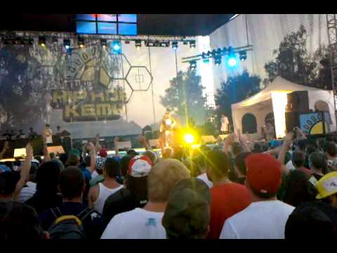 Snowgoons DJ's & Sabac Red - Hip Hop Kemp 2010