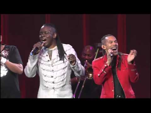Earth, Wind & Fire LIVE on stage during the 2nd of two sold out shows! (May 11, 2013)