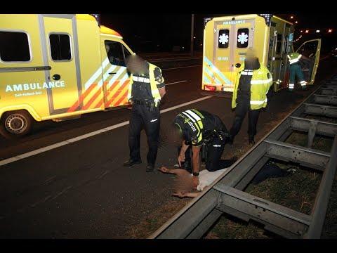 Politie pakt bijrijder aan na crash op A15 bij Alblasserdam