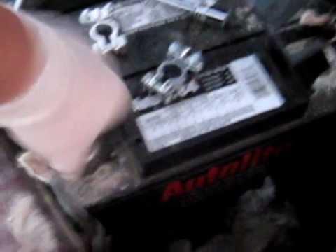 Video Como Cambiar las terminales de la bateria automotriz ...