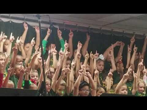 Essrig Elementary School - Petite Performers
