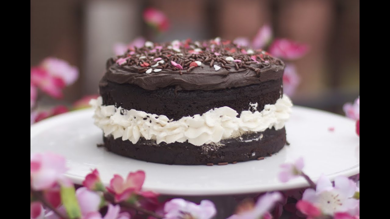 Chocolate Fudge Cake With Whipped Cream Center Youtube